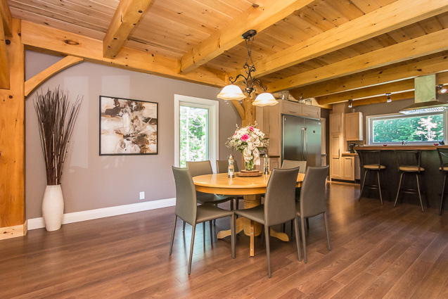 Dining room in a timber frame dutch saltbox